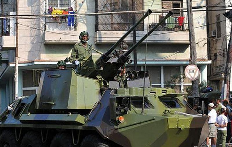 Armée Cubaine 1277924_44679_btr60_with_zu572_turret_cuban_cuba_army_military_parade_havana_revolution_square_apjpg