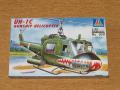 Italeri 1_72 UH-1C Gunship Helicopter makett