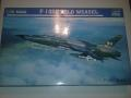 TRUMPETER F-105 1:72  5000FT